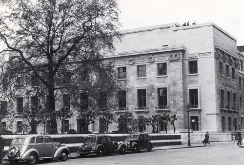 Photograph showing London School of Hygiene & Tropical Medicine exterior, c.1951.