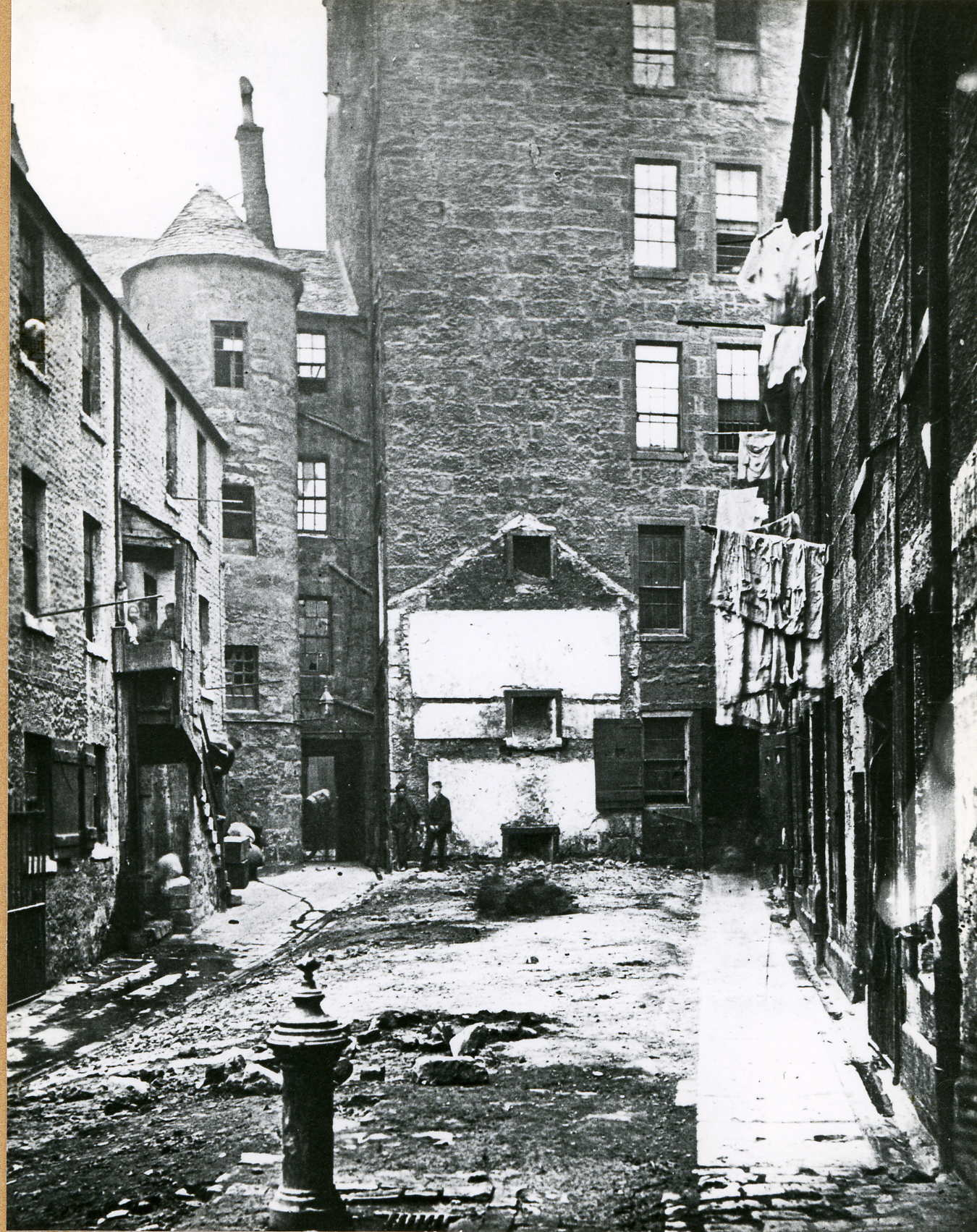 A photograph from Thomas Annan's Slums of Glasgow album