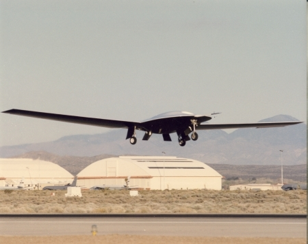 Photo of the first flight of the Lockheed Martin Skunk Works DarkStar, 29 March 1996